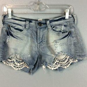 Mudd Ladies Lace Distressed Denim Shorts Sz Jr 7